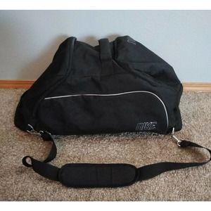 Nike Unisex Duffle Bag Travel Overnight
